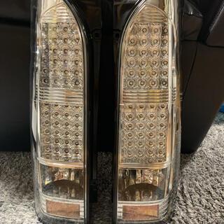 ハイエース4型 LEDテールランプ
