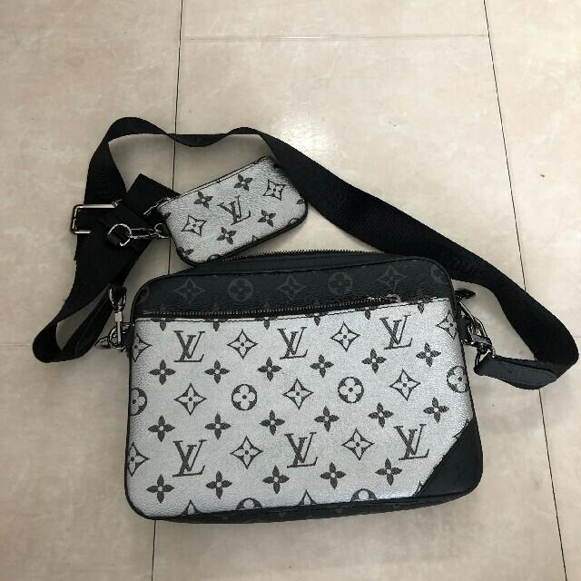 LOUIS VUITTON(ルイヴィトン)の美品 ルイヴィトン エクリプス トリオ メッセンジャー バッグ メンズのバッグ(ショルダーバッグ)の商品写真