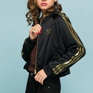 アディダス(adidas)のadidas(アディダス)ゴールドライン入りジャンパー 黒(ブルゾン)