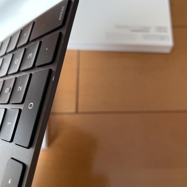 Apple(アップル)の【Apple】Magic Keyboard テンキー付US配列 スペースグレイ スマホ/家電/カメラのPC/タブレット(PC周辺機器)の商品写真