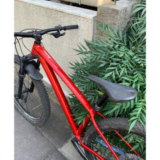 スペシャライズド(Specialized)のスペシャルライズドFUSE2021年モデル(自転車本体)