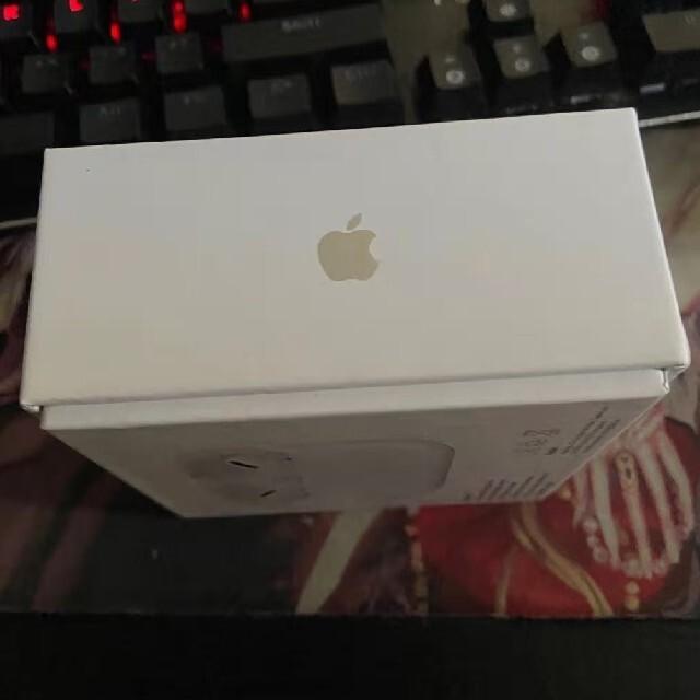 Apple(アップル)の AirPods Pro エアポッズ プロ  新品未開封  24時間以内発送 スマホ/家電/カメラのオーディオ機器(ヘッドフォン/イヤフォン)の商品写真