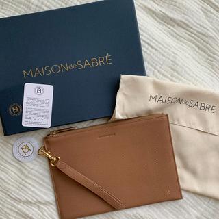 メゾンドフルール(Maison de FLEUR)の【完全新品未使用】MAISON de SABRÉ クラッチバッグ大(クラッチバッグ)