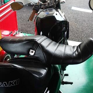 カワサキ(カワサキ)のカワサキ  バリオス1型タックロールシート(パーツ)