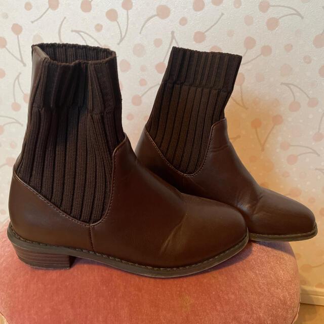CIAOPANIC TYPY(チャオパニックティピー)のキッズ サイドゴアブーツ 19.0 キッズ/ベビー/マタニティのキッズ靴/シューズ(15cm~)(ブーツ)の商品写真