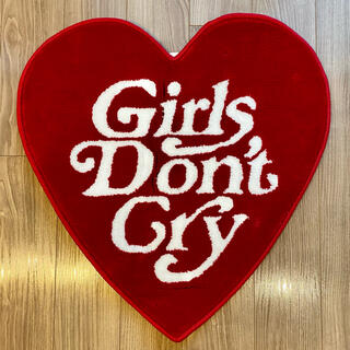 Girls Don't Cry 伊勢丹 VERDY ラグマット 赤(ラグ)