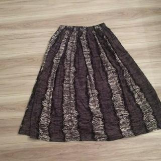 メルロー(merlot)のフィリル 手描きのような模様のスカート(ロングスカート)