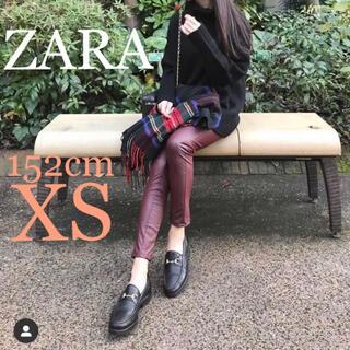 ザラ(ZARA)のZARA シーム入りラバー仕上げレギンス フェイクレザーレギンスパンツ (カジュアルパンツ)