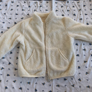 ユニクロ(UNIQLO)のユニクロ ボアフリース  美品 90(ジャケット/上着)