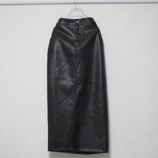 ザラ(ZARA)のZARA レザー ロングスカート 黒 (ロングスカート)