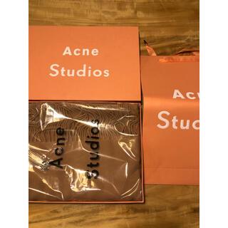 アクネ(ACNE)の【新品タグ付】Acne Studios アクネ 大判ストール キャラメルブラウン(ストール/パシュミナ)
