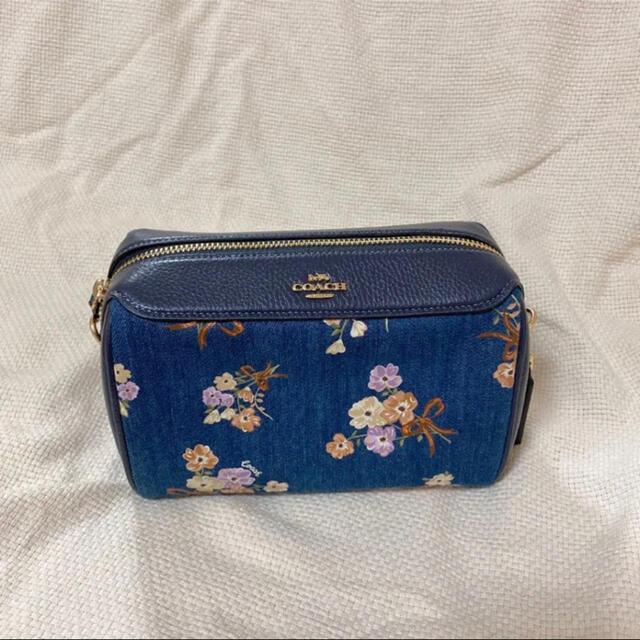COACH(コーチ)のCOACH デニム 花柄 ショルダーバッグ レディースのバッグ(ショルダーバッグ)の商品写真