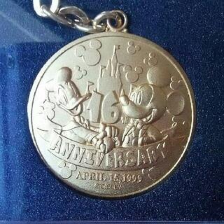 ディズニー(Disney)のTDL 【16周年】メダルキーチェーン 東京ディズニーランド(キャラクターグッズ)