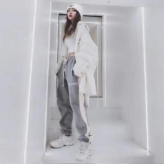 エッセンシャルデザイン(ESSENTIAL DESIGNS)のFOG高街Essentialsストライプのズボンの男の湿っている札(その他)
