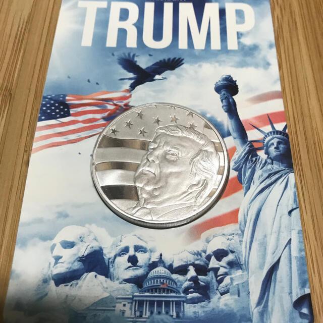 2020 トランプ大統領 銀貨 1オンス 台紙封入済み エンタメ/ホビーの美術品/アンティーク(貨幣)の商品写真