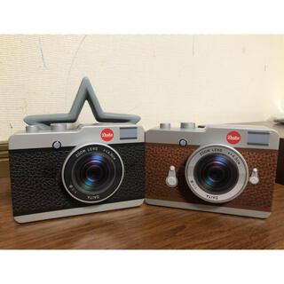 カルディ(KALDI)のカルディ カメラ缶 ブラック・ブラウン×各1個(菓子/デザート)
