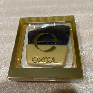 サナ エクセル シャイニーパウダー  SN02