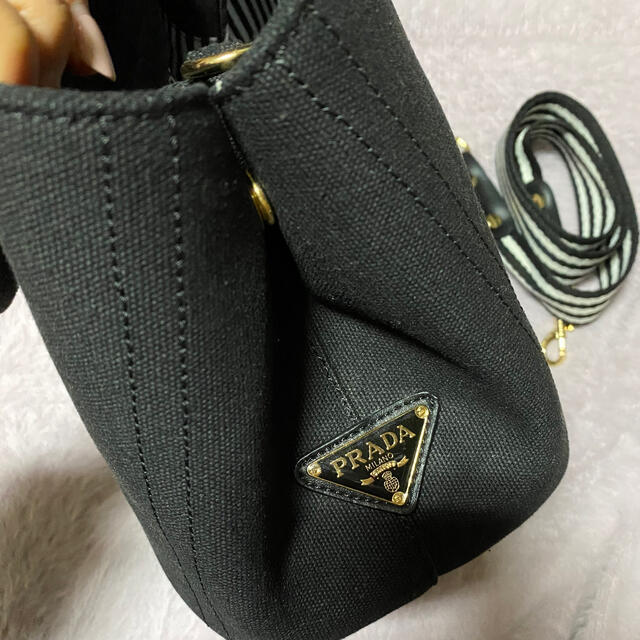 PRADA(プラダ)のプラダトートバッグ『カナパ ファブリック ハンドバッグ』 レディースのバッグ(ハンドバッグ)の商品写真