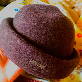 カオリノモリ - オーバーライド トーク帽 ブラウン 茶色 プレート付き 丸形 ナチュラルコーデ