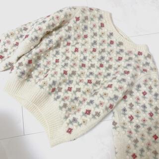 サンタモニカ(Santa Monica)のused フラワーぽんぽん刺繍ニット(ニット/セーター)