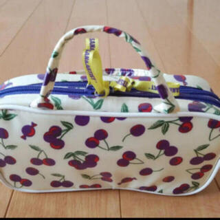 ポーラ(POLA)のPOLA 化粧ポーチと折りたたみバッグのセット(ポーチ)