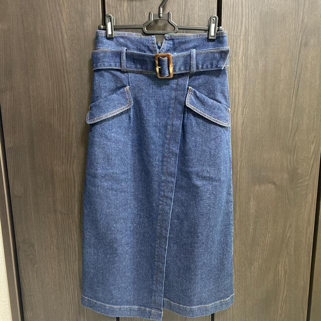 Noela(ノエラ)のNoela ベルト付きデニムスカート レディースのスカート(ひざ丈スカート)の商品写真