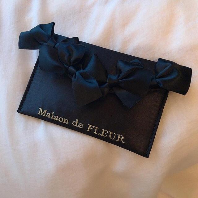 Maison de FLEUR(メゾンドフルール)のメゾンドフルール カードケース レディースのファッション小物(名刺入れ/定期入れ)の商品写真