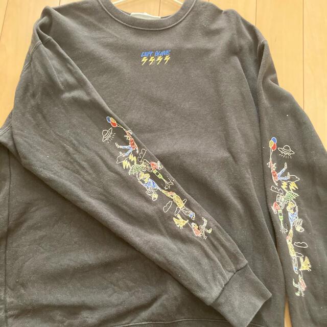 LEFT ALONE 刺繍トレーナー 黒 メンズのトップス(スウェット)の商品写真