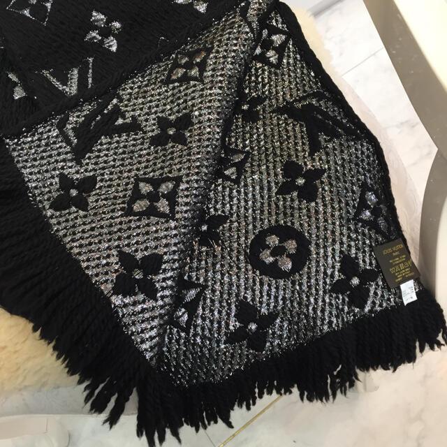LOUIS VUITTON(ルイヴィトン)の☆美品☆ルイヴィトン エシャルプロゴマニア シャイン マフラー 黒 レディースのファッション小物(マフラー/ショール)の商品写真