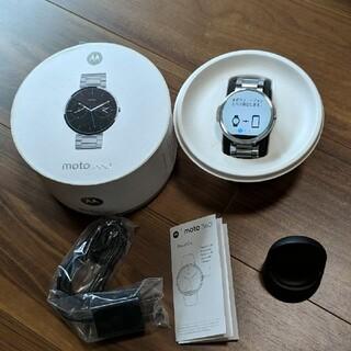 Apple Watch - moto 360