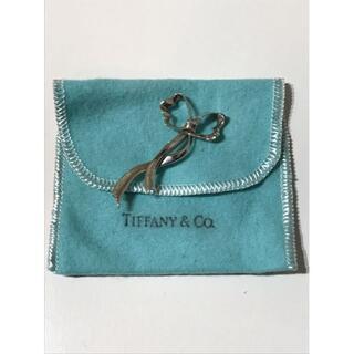 ティファニー(Tiffany & Co.)の ティファニー★ヴィンテージリボンシルバーピンブローチ(ブローチ/コサージュ)