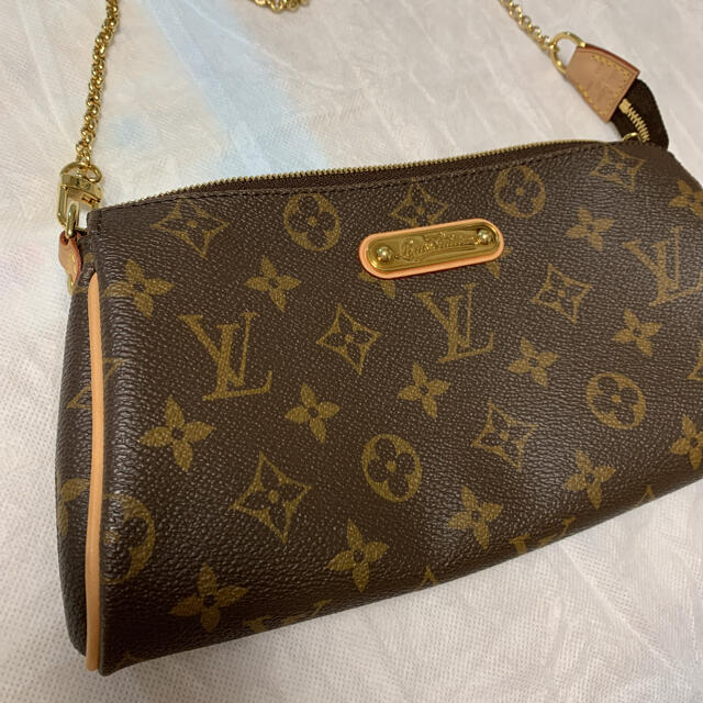 LOUIS VUITTON(ルイヴィトン)のルイヴィトン モノグラム エヴァ ショルダーバッグ レディースのバッグ(ショルダーバッグ)の商品写真