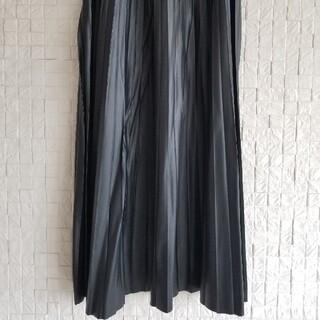 ZARA - ZARA フェイクレザープリーツスカート