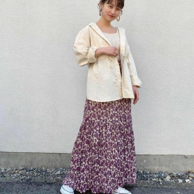 Kastane(カスタネ)のティアード花柄スカート kastane レディースのスカート(ロングスカート)の商品写真