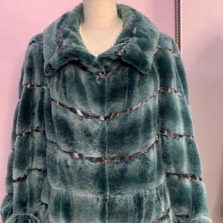 今月の超特価❣️エンバ シェアード レッキスラビット デザイン コート(毛皮/ファーコート)