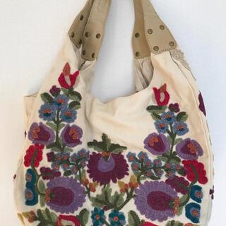 LAURA ASHLEY - ローラアシュレイ 刺繍バッグ