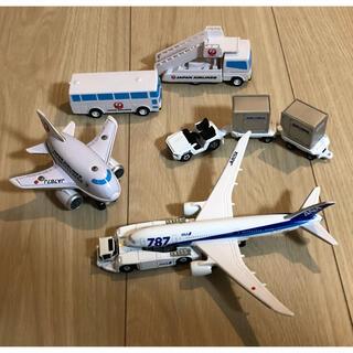 ANA 787、JAL飛行機とミニカーのセット(ミニカー)