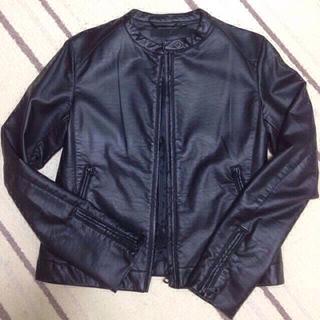 ユニクロ(UNIQLO)のUNIQLO高級ライン☆黒の革ジャン(ライダースジャケット)