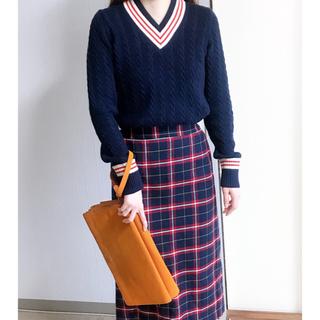 ジーユー(GU)の美品✨GUチェックタイトスカート ネイビー(ひざ丈スカート)