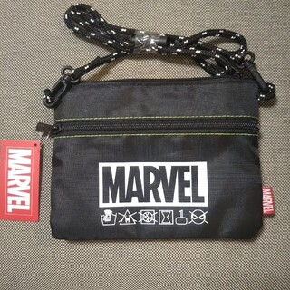 マーベル(MARVEL)のマーベル リバーシブル サコッシュ マーベルヒーロー ロゴ(ショルダーバッグ)