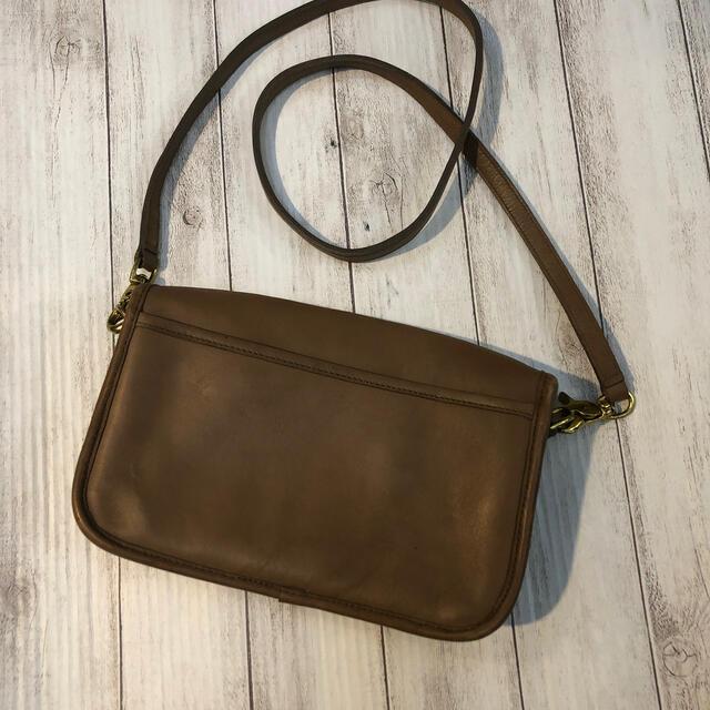 COACH(コーチ)のオールドコーチ  ショルダーバッグ ベージュ レディースのバッグ(ショルダーバッグ)の商品写真
