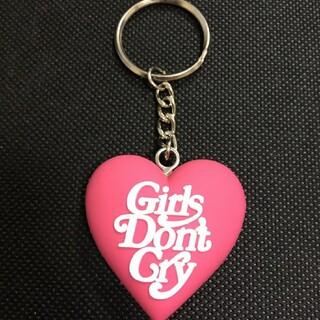 ピンクgirls don't cryGDC HEART KEYCHAIN Pin