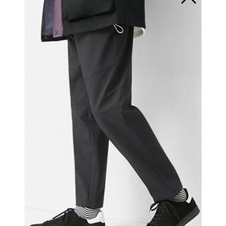 ジーユー(GU)のGU メンズパンツ ウラフリースウインドプルーフパンツ(スラックス)