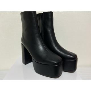 スクエアトゥ太ヒールショートブーツ 24.5cm(ブーツ)