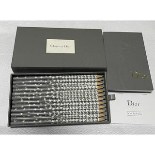 ディオール(Dior)の【未使用品】Dior ノベルティ ペンシル(鉛筆)&スケッチブック(メモ帳)(コフレ/メイクアップセット)