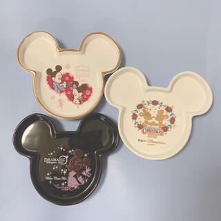 ディズニー(Disney)のミッキー型 ミニプレート 小さいお皿 お料理やアクセサリーなどの小物置きにも!(食器)