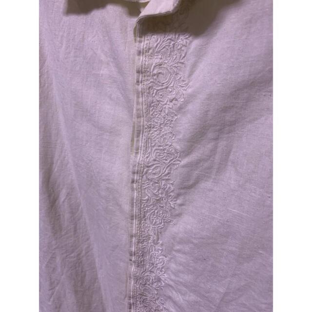 Iroquois(イロコイ)のIroquois 花柄刺繍長袖シャツ オフホワイト メンズのトップス(シャツ)の商品写真