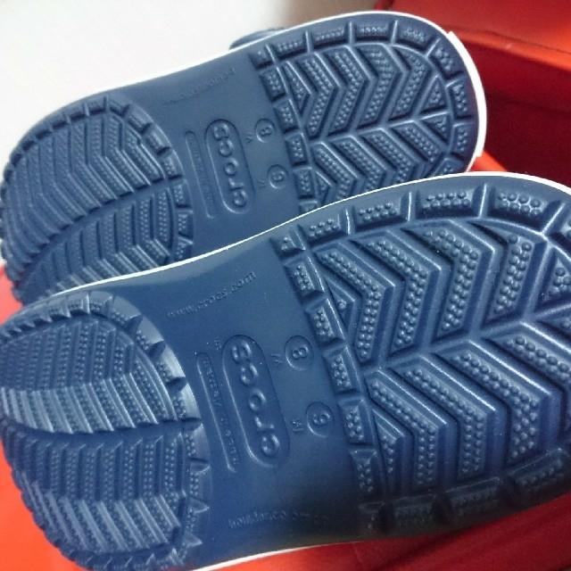 crocs(クロックス)の【新品】クロックス crocs パンク カスタム ネイビー 24.0cm  レディースの靴/シューズ(サンダル)の商品写真