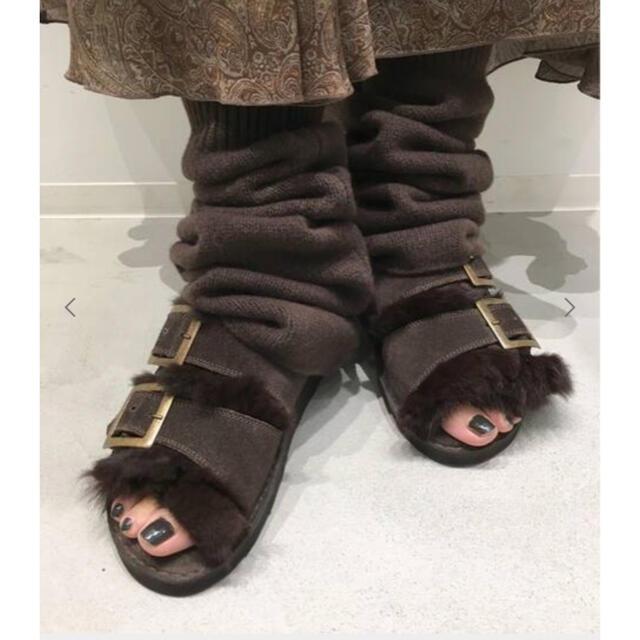 L'Appartement DEUXIEME CLASSE(アパルトモンドゥーズィエムクラス)のカミナンドファーサンダル ブラウン レディースの靴/シューズ(サンダル)の商品写真