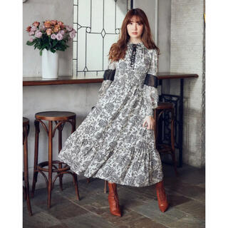 herlipto Winter Floral Long sleeve Dress